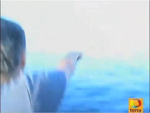 Pescador_señala_NADA